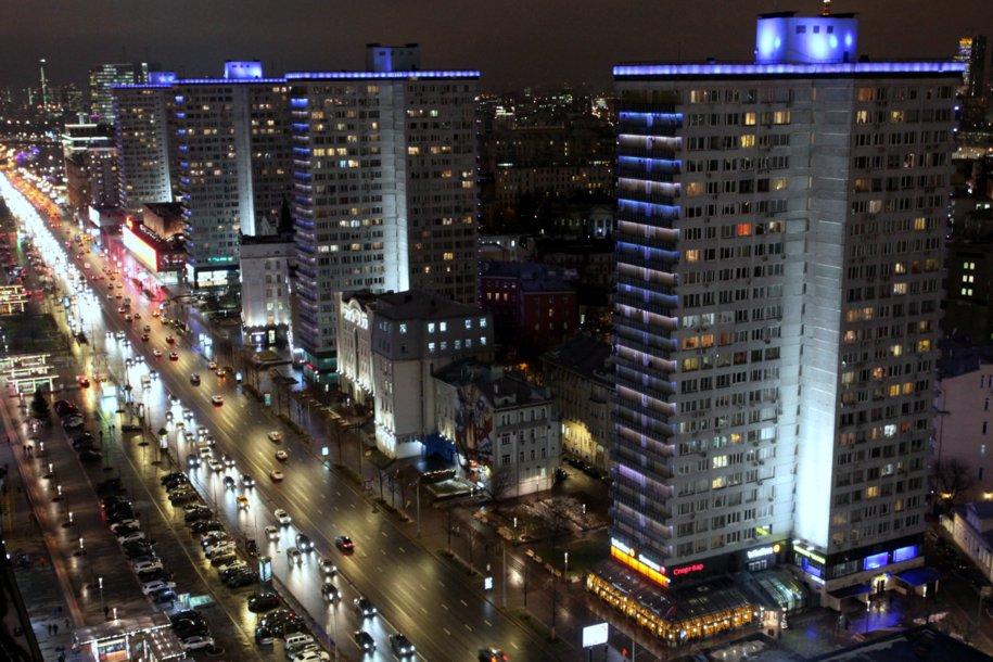 Более 20 столичных зданий включат синюю подсветку в рамках акции «Зажги синим»