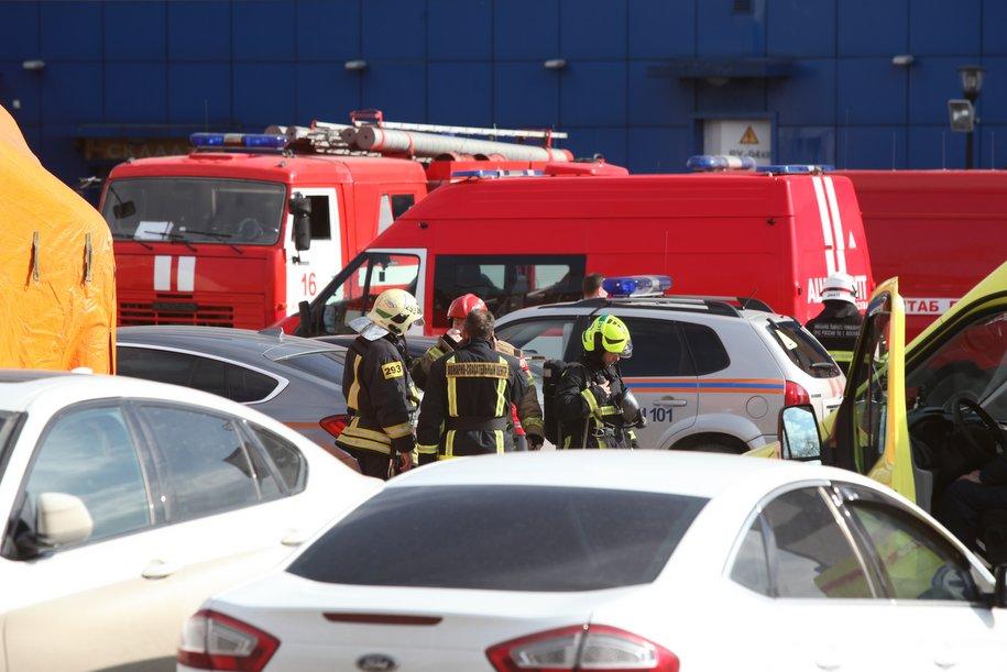 На востоке Москвы горит детский торговый центр «Персей»