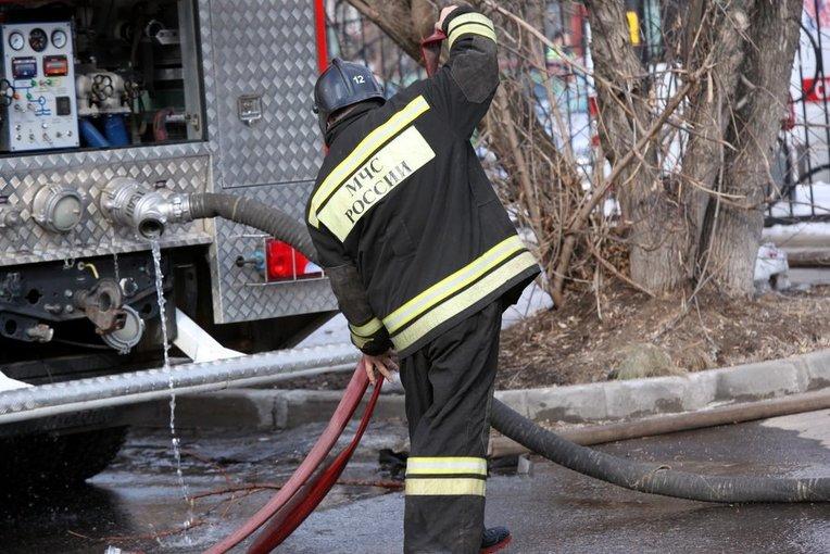 В результате пожара на юге Москвы пострадали три человека