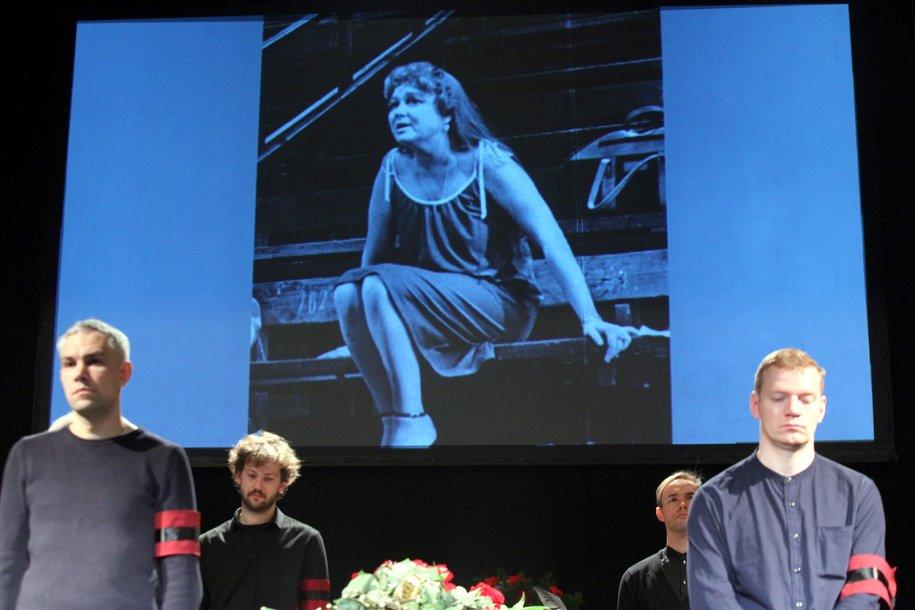 В театре «Современник» началось прощание с Ниной Дорошиной