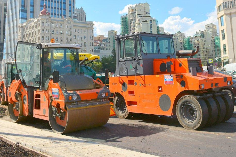 Около 17 млн кв. метров асфальта заменят в Москве летом