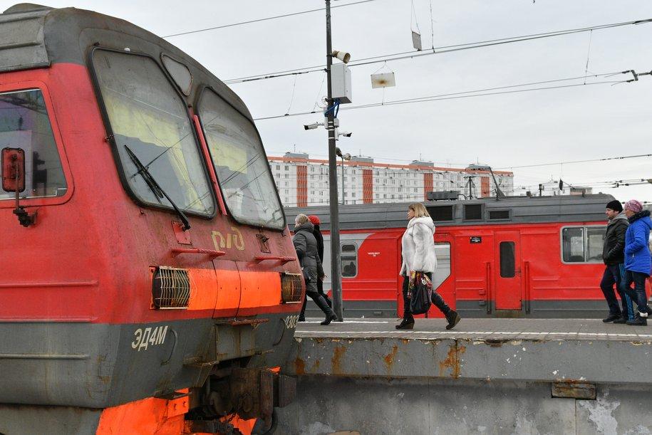 Мэр осмотрел ход строительства платформы «Новохохловская»