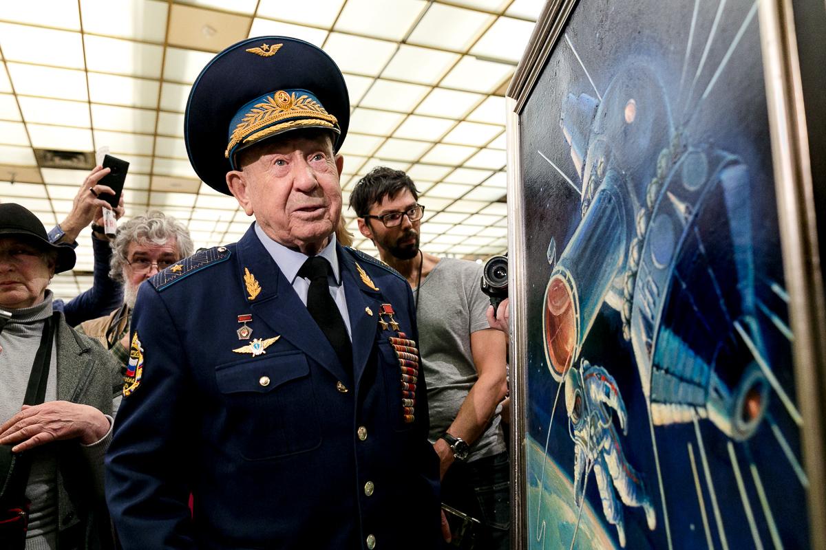 Мэр Москвы поздравил летчика-космонавта Алексей Леонова с днем рождения