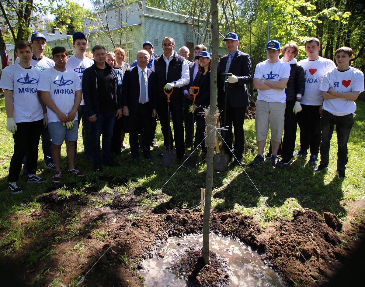 Глава Мосгордумы Алексей Шапошников принял участие в акции «Миллион деревьев»