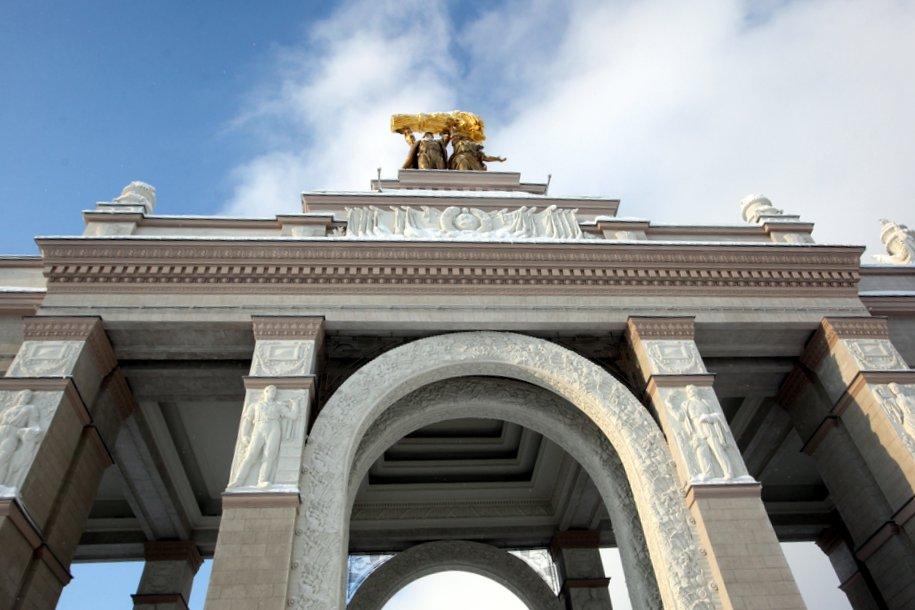 Доступ ограничен: на ВДНХ началась реконструкция Центральной аллеи