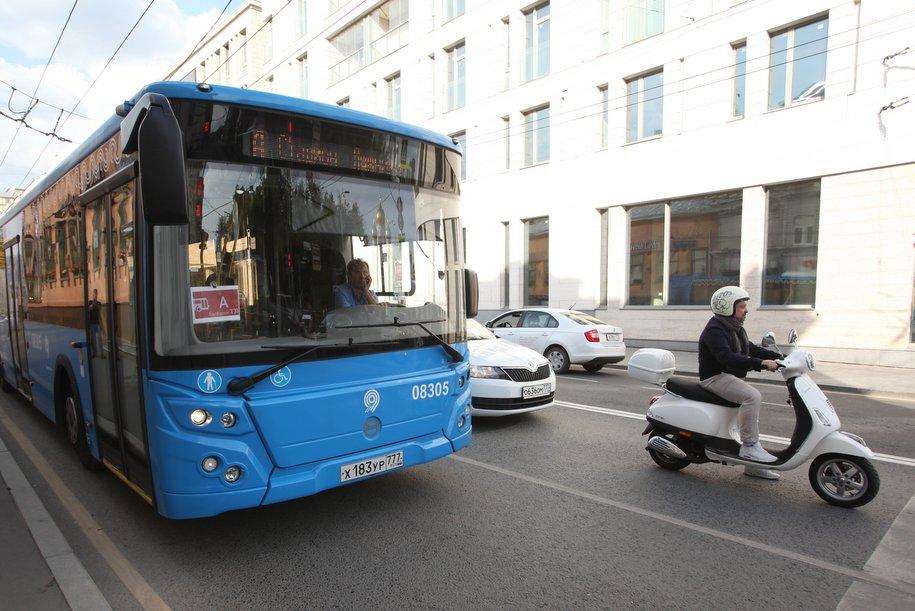 После репетиции Парада Победы возобновилось движение транспорта в центре