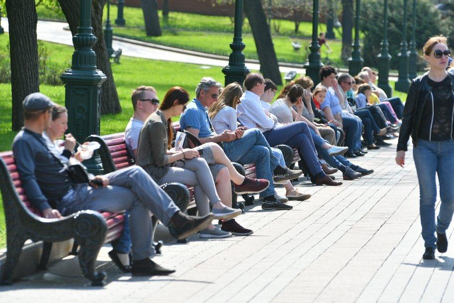 Москвичей ждет теплая погода без осадков 9 мая
