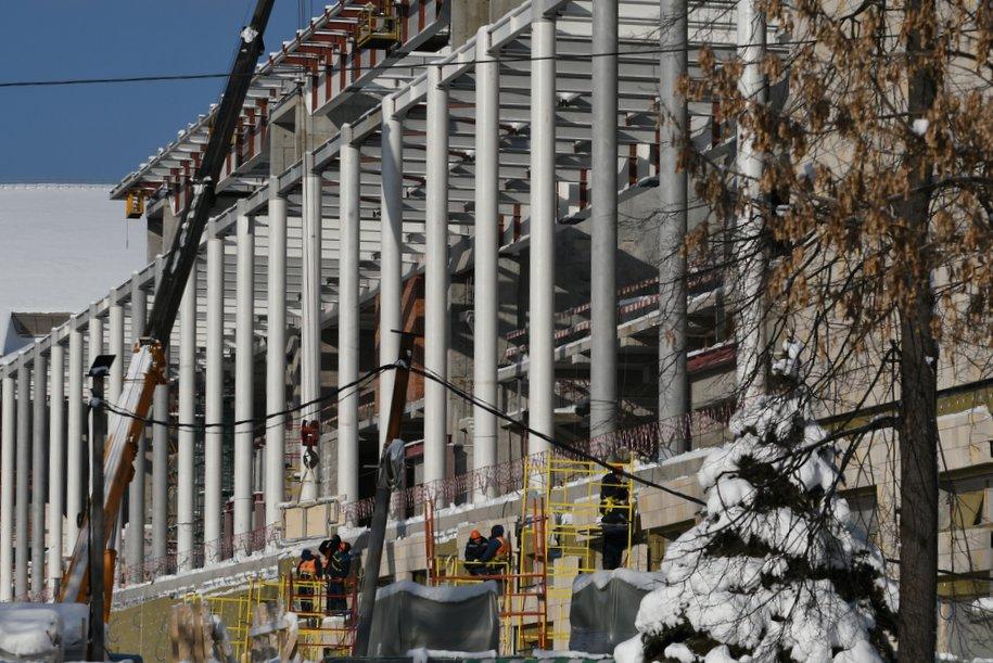 К концу мая в «Лужниках» доделают фасад дворца водных видов спорта