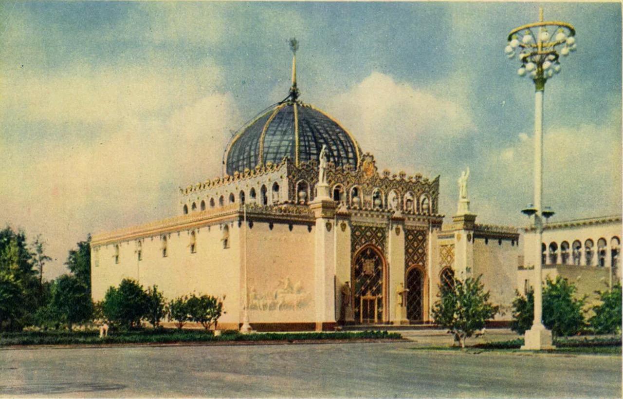 На купол павильона «Казахстан» вернули позолоченный шпиль
