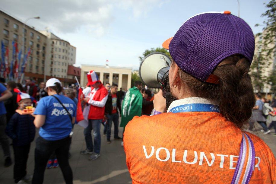 Волонтеры в метро помогли более 100 тыс. иностранцам с начала ЧМ-2018