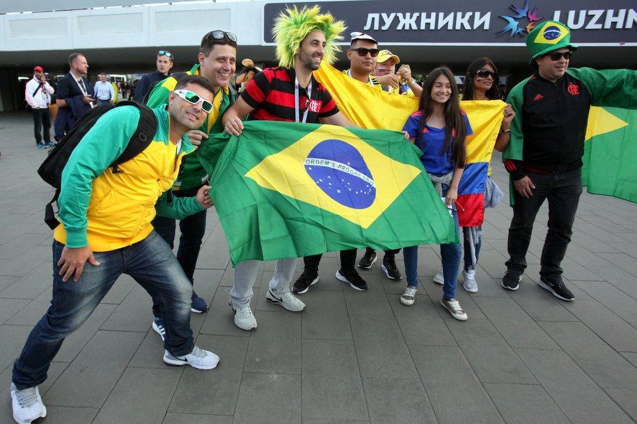 Бесплатные автобусы-шаттлы довезут болельщиков к стадиону «Лужники»