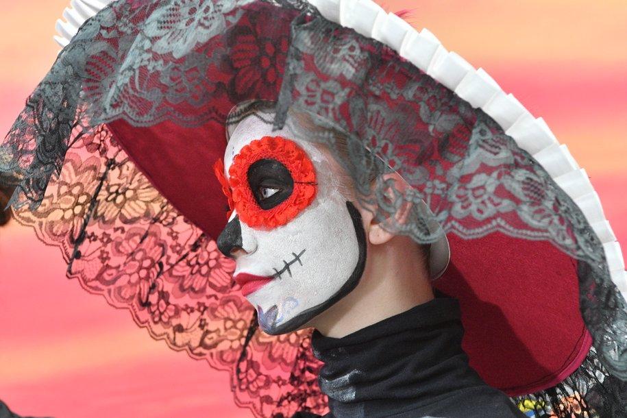Свыше 20 тыс. человек приняли участие в мексиканском карнавале в Москве