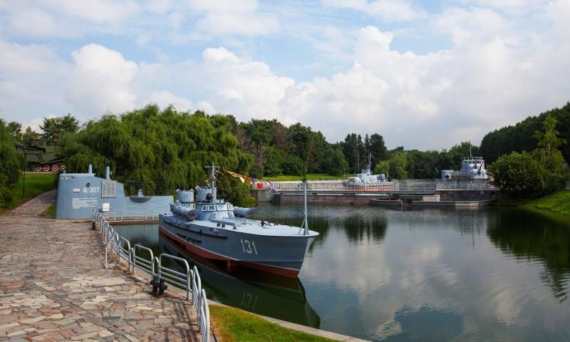 Бесплатный вход на выставку боевой техники в День ВМФ