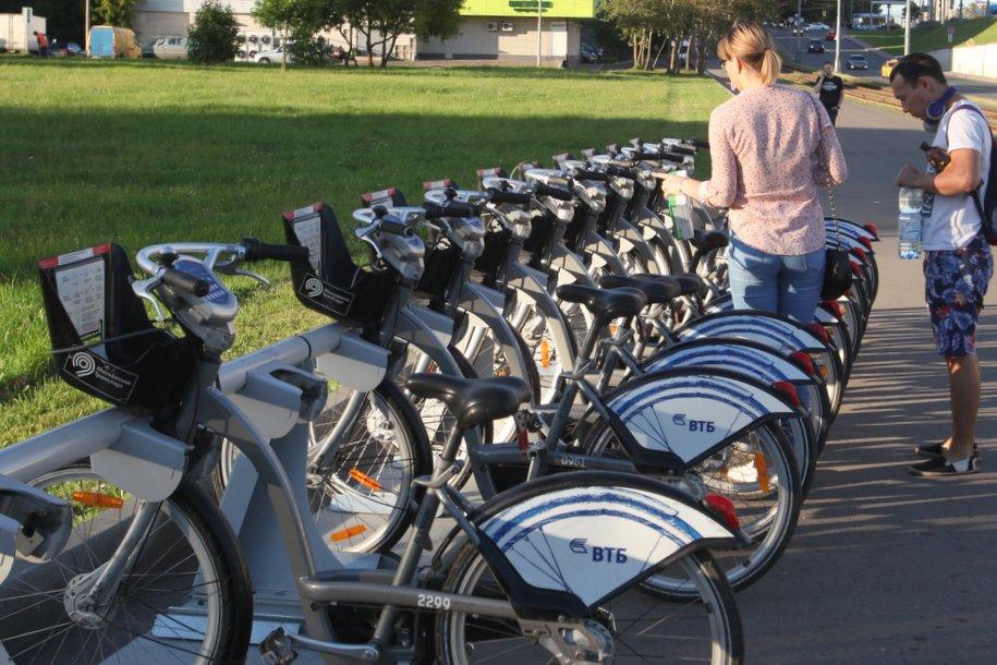 Москвичи и гости столицы совершили 2,3 млн поездок на «Велобайке»