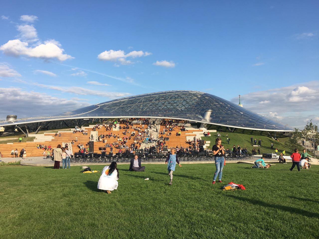 В парке «Зарядье» провели более 100 концертов с момента открытия
