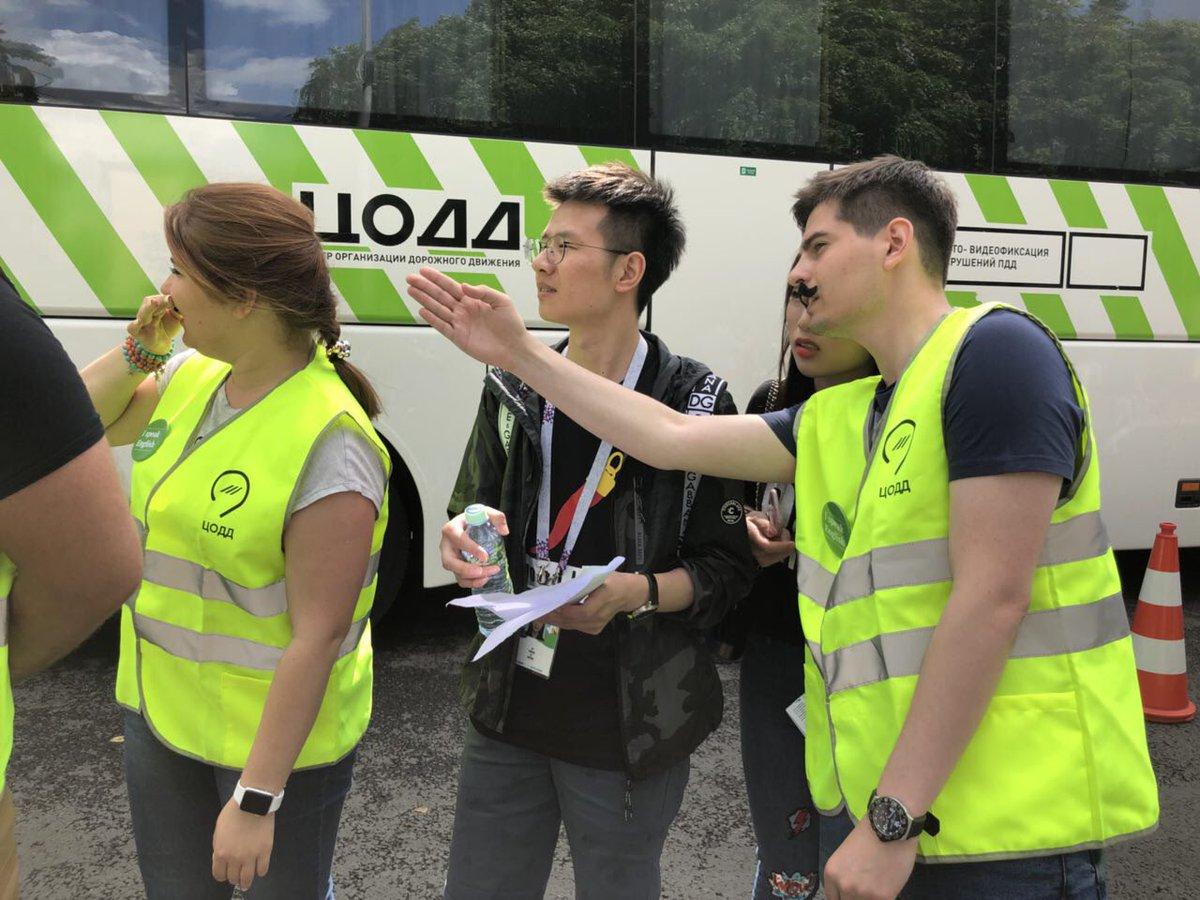 Волонтеры ЦОДД подскажут болельщикам дорогу к стадиону «Лужники»