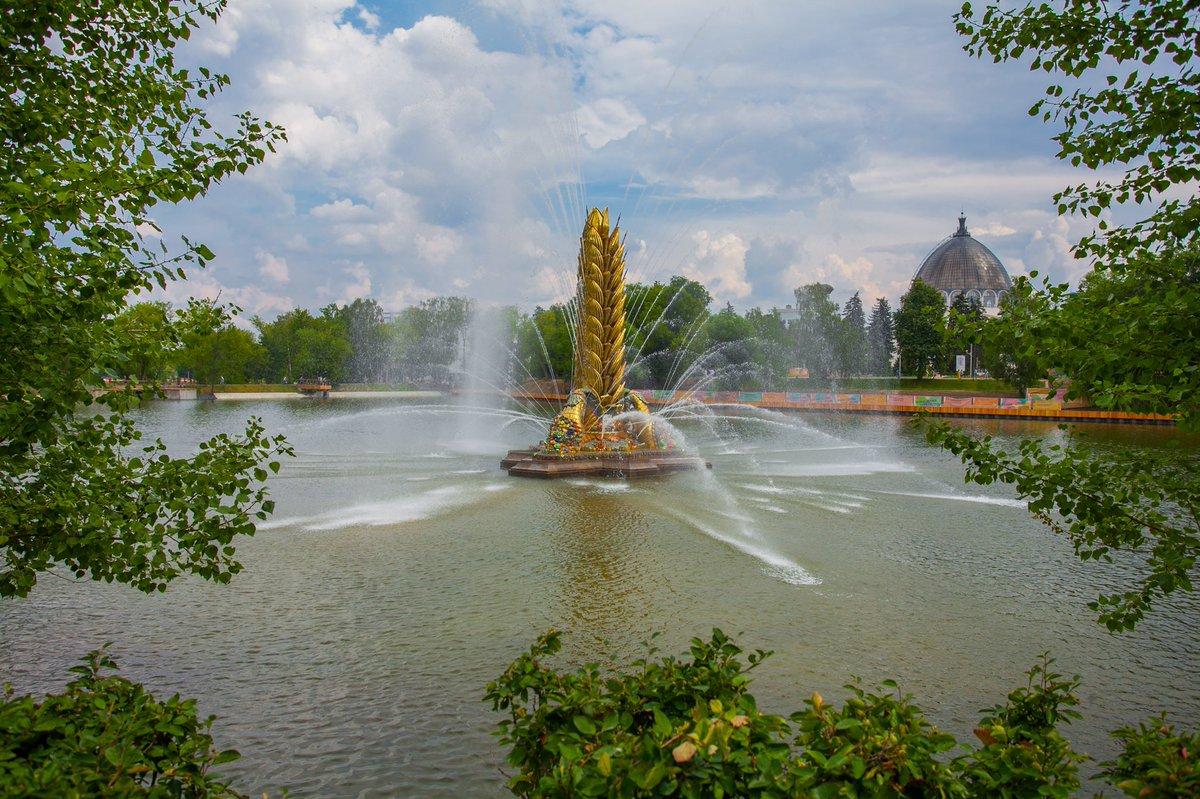 После тридцатилетнего перерыва фонтан «Золотой колос» вновь украшает запрудную зону — Собянин