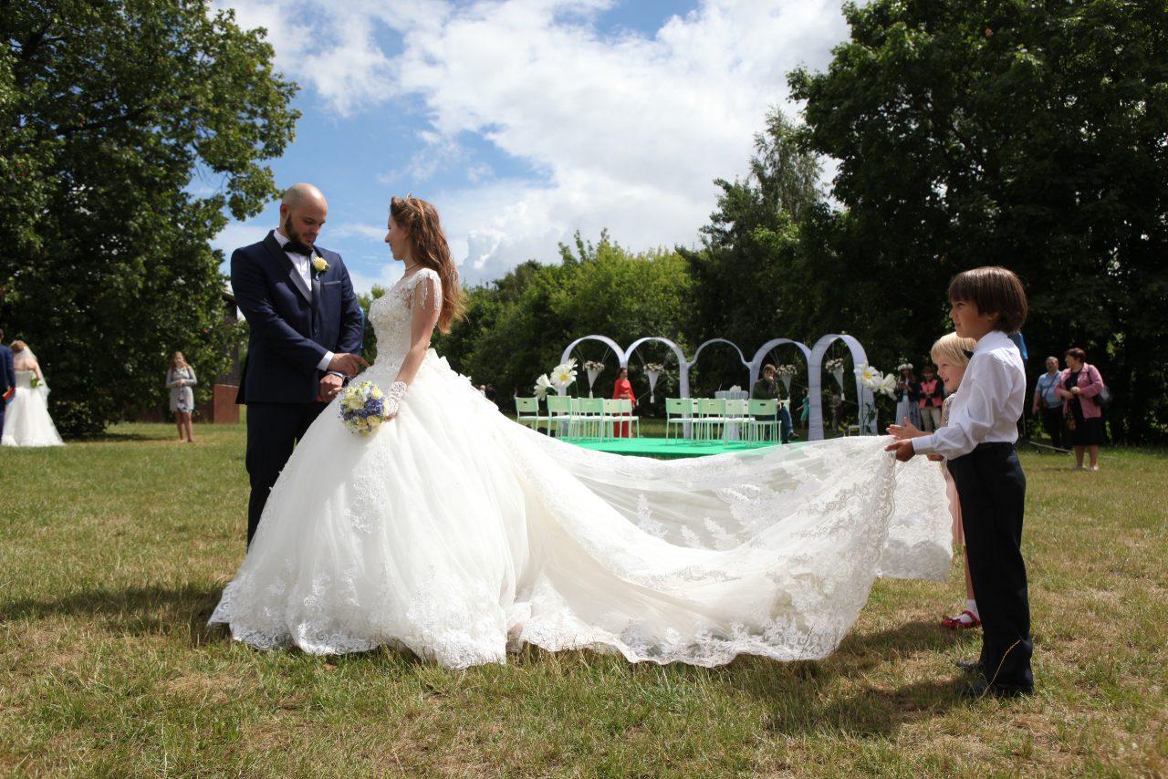 В «Царицыно» прошел фестиваль «Большая свадьба»