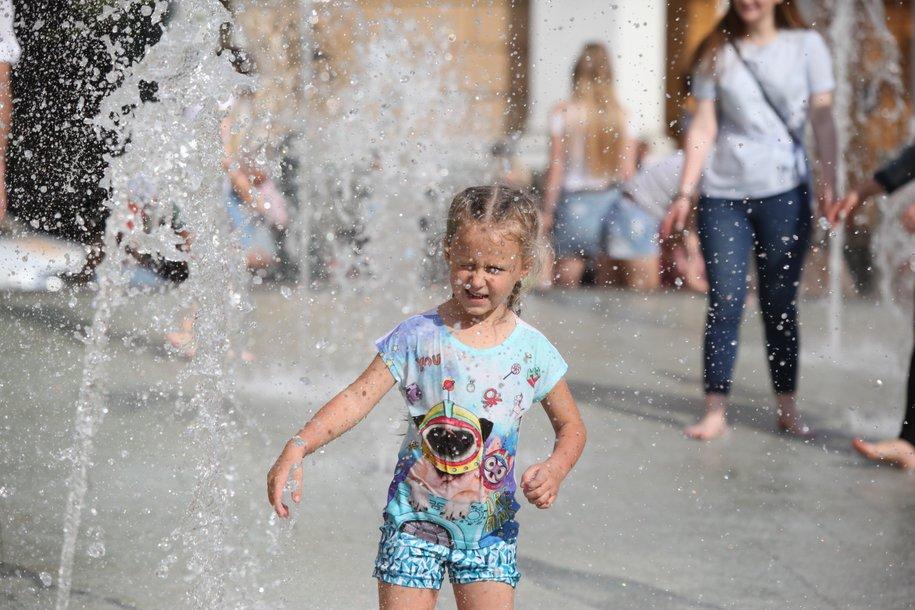 В столицу на смену дождливой погоде придет умеренная жара