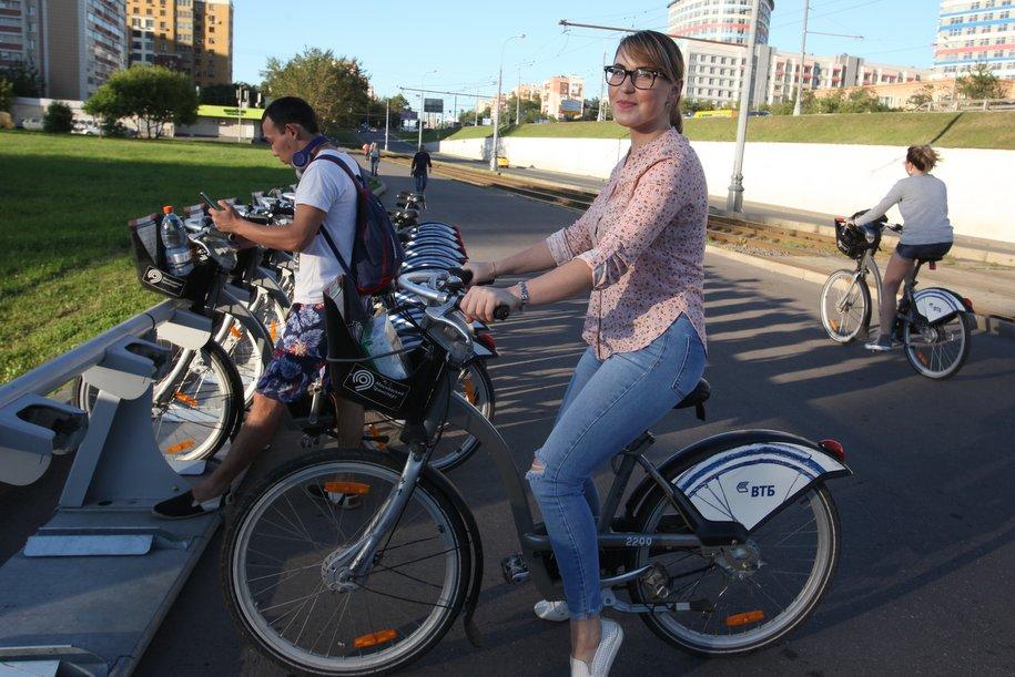 Москвичи и гости столицы совершили 1,6 млн поездок на «Велобайке»