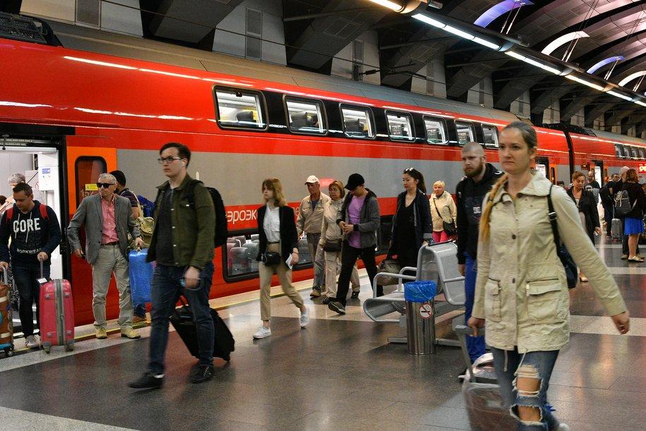 Во время ЧМ-2018 бесплатные поезда РЖД перевезли более 319 тысяч болельщиков