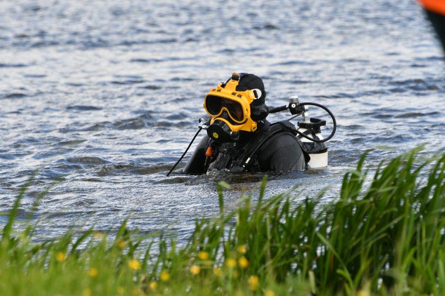 Спасатели вытащили из Терлецкого пруда тонущего пьяного мужчину