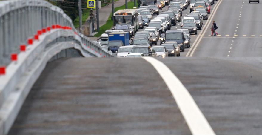 Разворотная эстакада на Волоколамском шоссе откроется в конце года