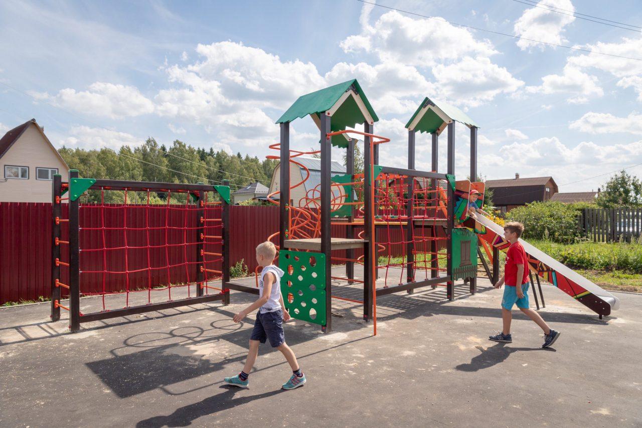 В подмосковных СНТ появились первые детские и спортивные площадки