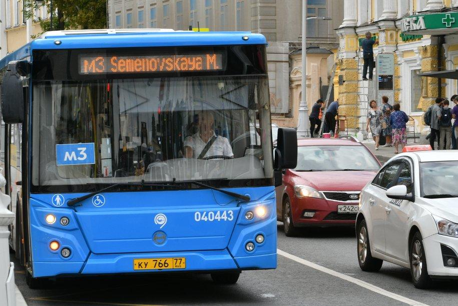 В шести округах Москвы изменились маршруты общественного транспорта