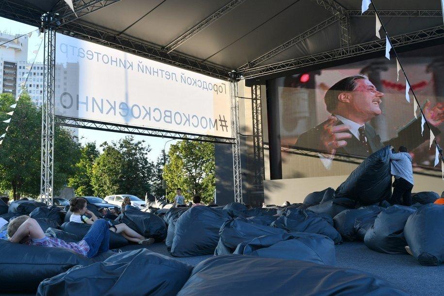 С 1 августа летние кинотеатры в Москве посетили более 500 тыс. человек