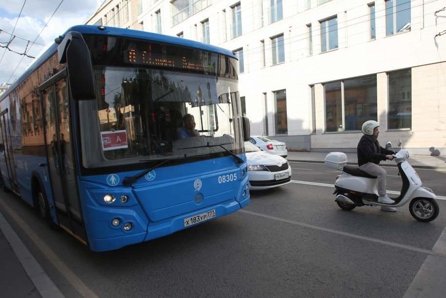 В Москве появилось больше выделенных полос для общественного транспорта