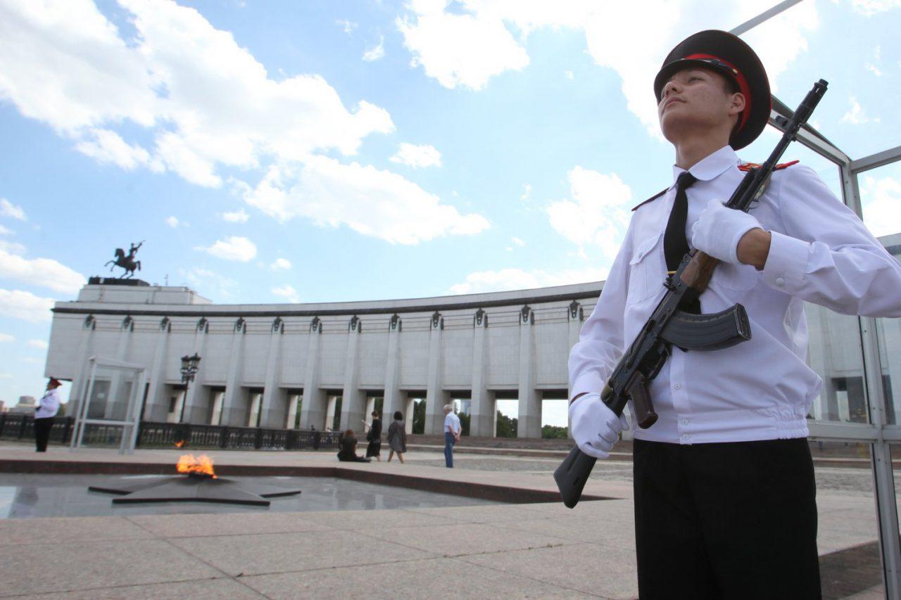 В День города московские кадеты встанут на вахту у Огня Памяти и Славы