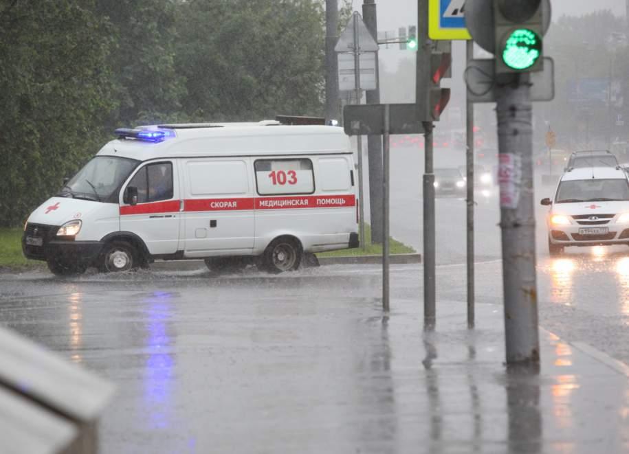 Московский СК проверяет информацию о не уступившей «Скорой помощи» иномарке