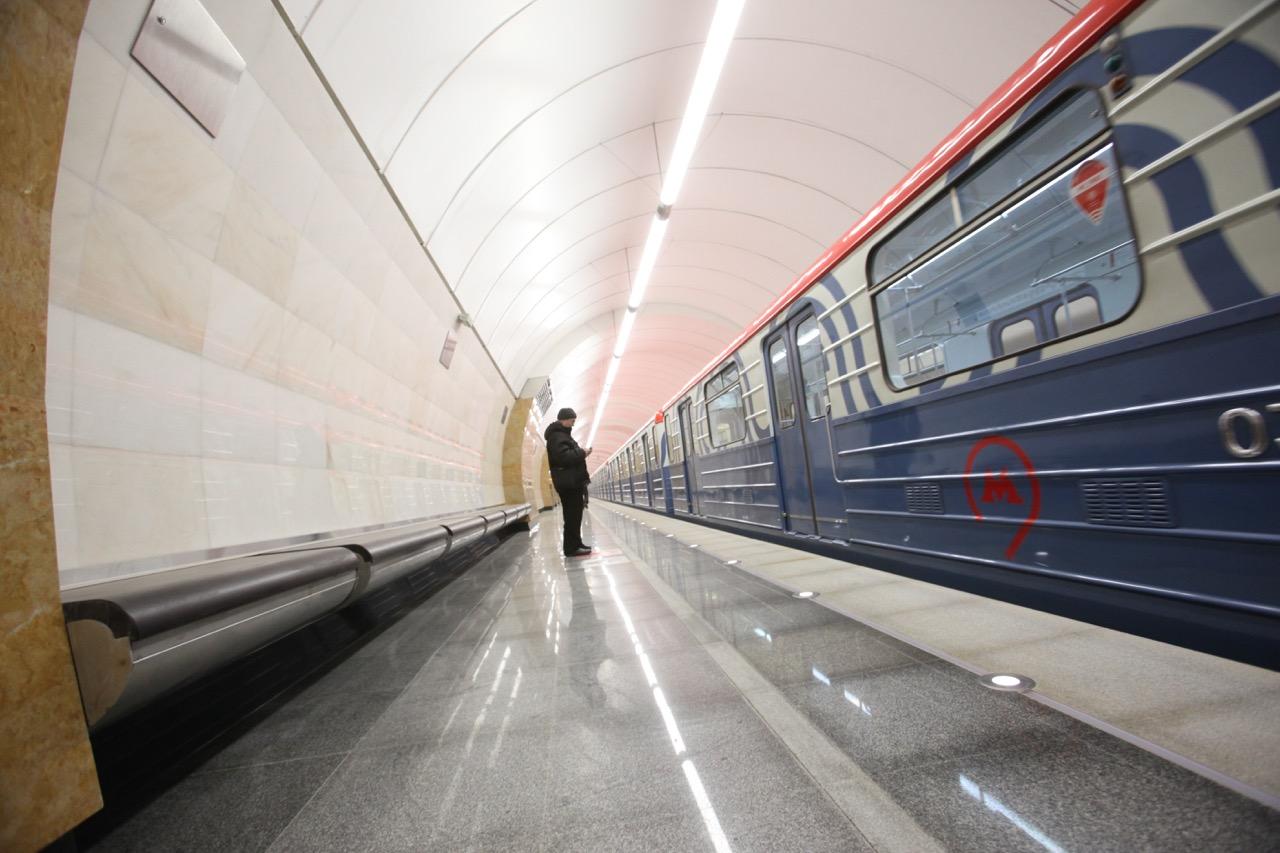 На Сокольнической линии метро произошел сбой в движении поездов