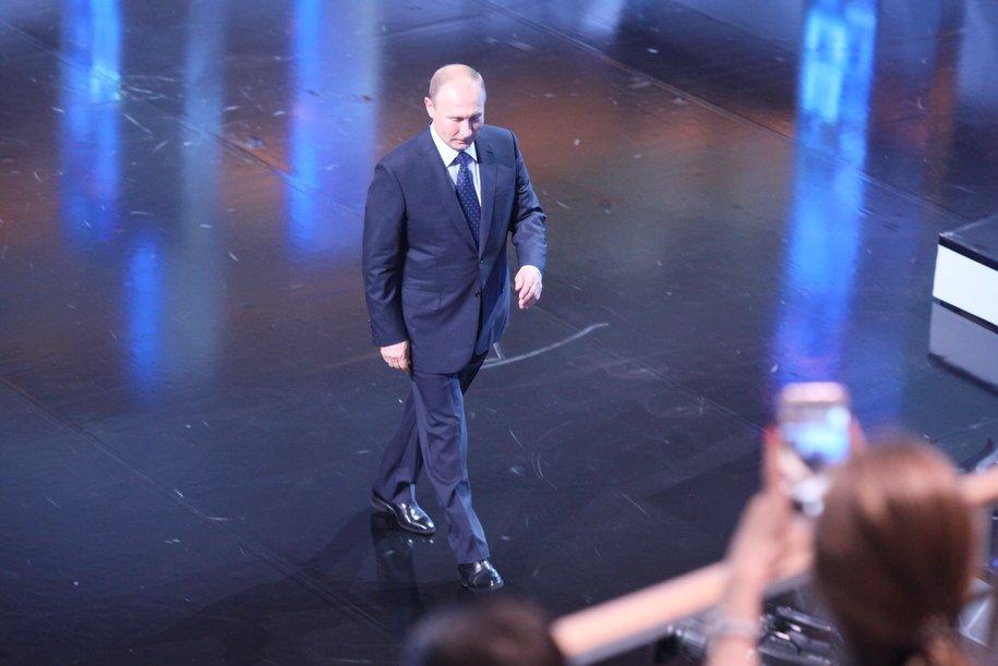 Владимир Путин посетил церемонию прощания с Иосифом Кобзоном