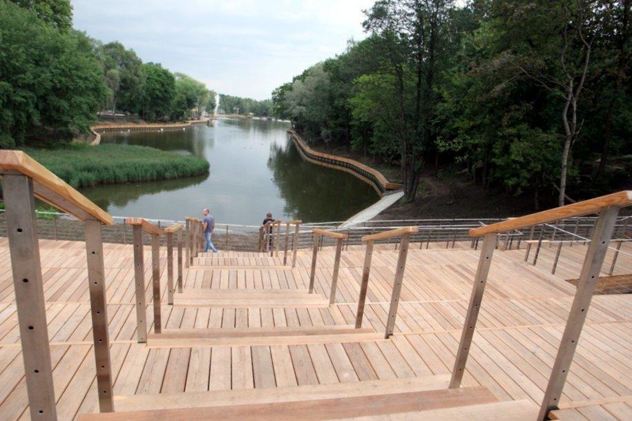 В пойме реки Битцы заменили четыре пешеходных мостика