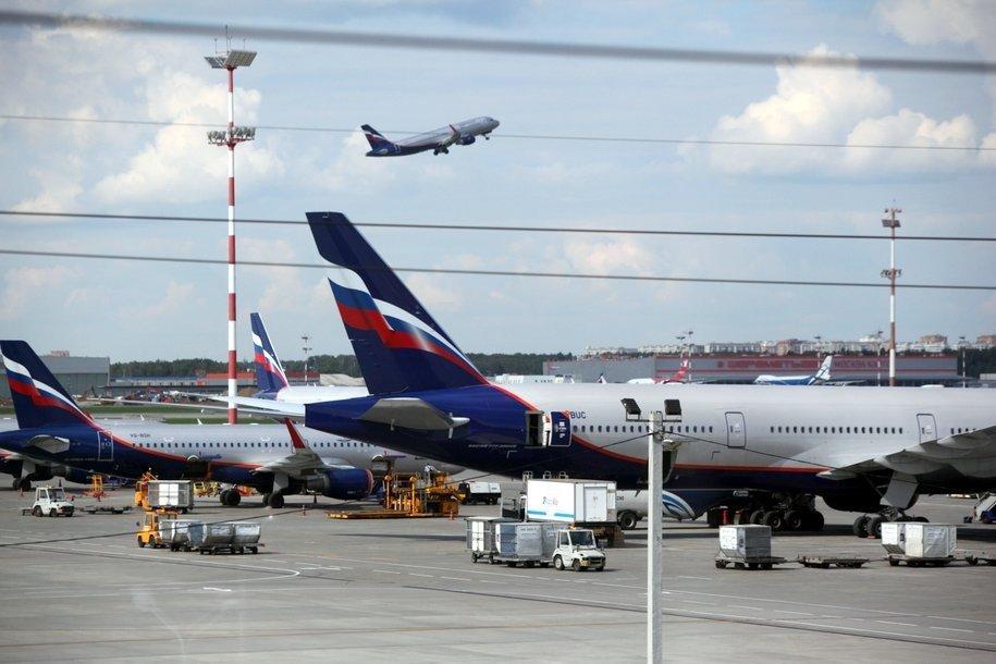 В аэропортах Москвы задержано и отменено 55 рейсов