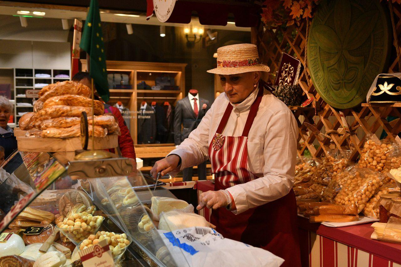 На фестиваль «Золотая осень» в Москве свою продукцию привезли более тысячи предприятий