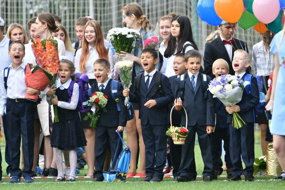 Сергей Собянин поздравил школьников с началом учебного года