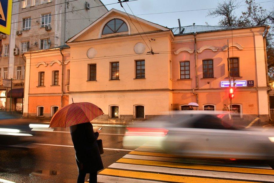 До конца года в Москве дополнительной подсветкой оборудуют ещё 9 пешеходных переходов