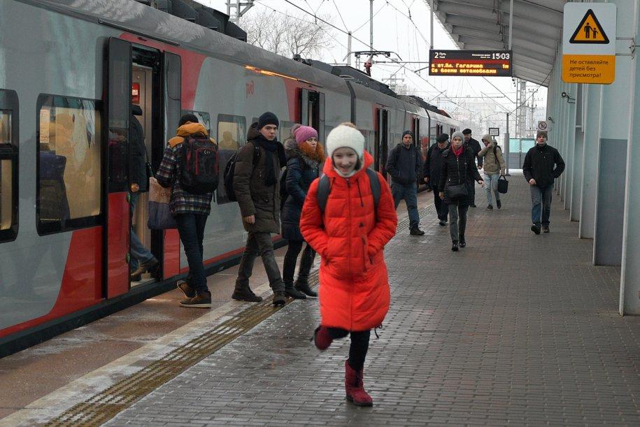 Навесы станций МЦК оборудуют специальными снегозадержателями для повышения безопасности