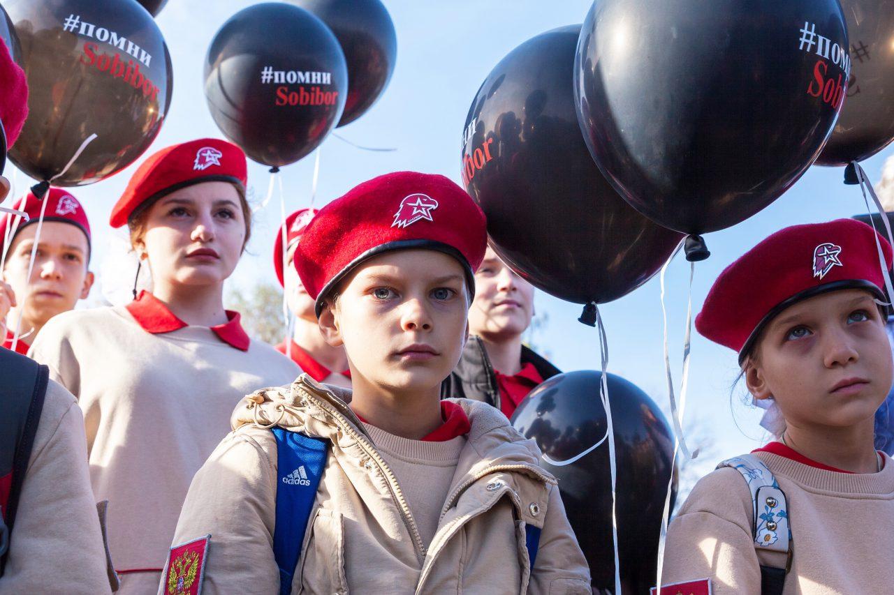 Московские школьники приняли участие в посвященных героям Собибора памятных мероприятиях в Музее Победы