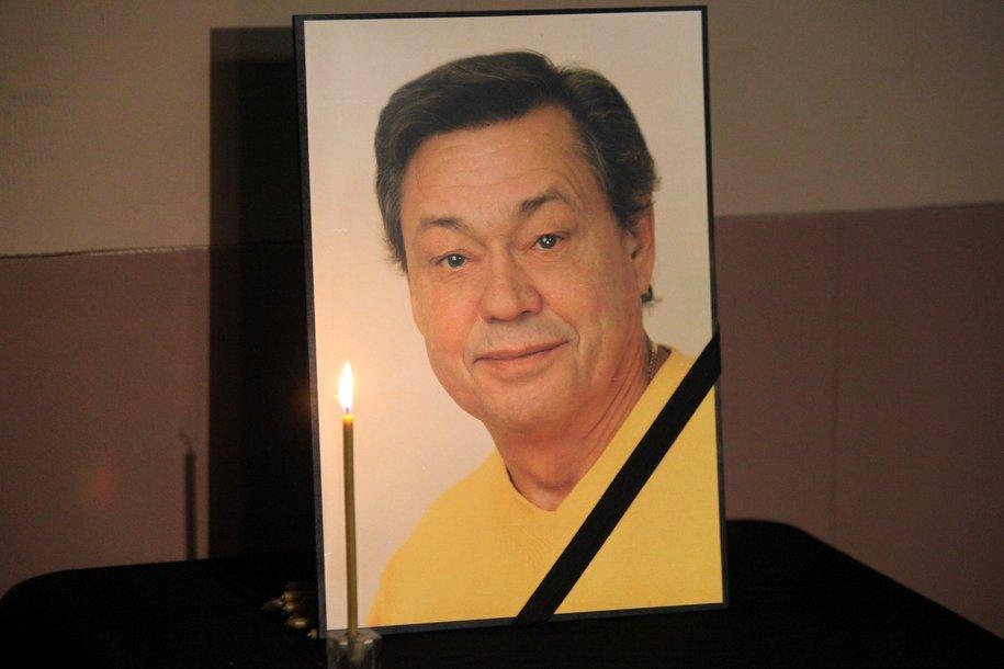 Николая Караченцова похоронят рядом с друзьями на Троекуровском кладбище