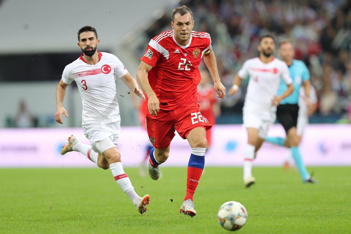 Сборная России по футболу обыграла турков в Сочи