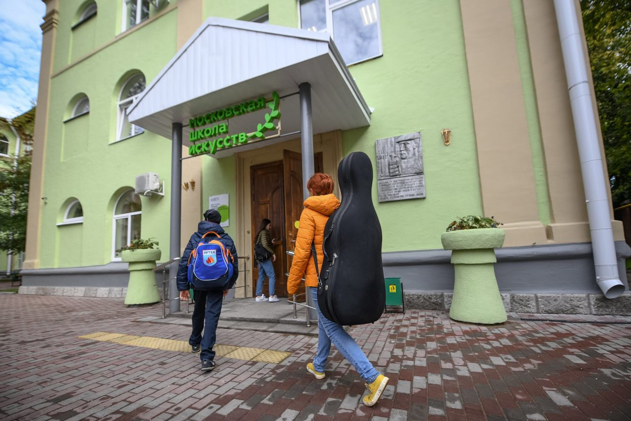 Сергей Собянин рассказал о реконструкции старых зданий школ