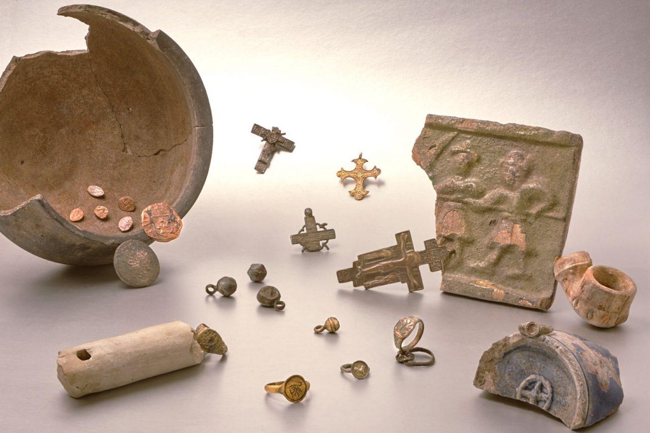 На Серебрянической набережной нашли следы старинного поселения