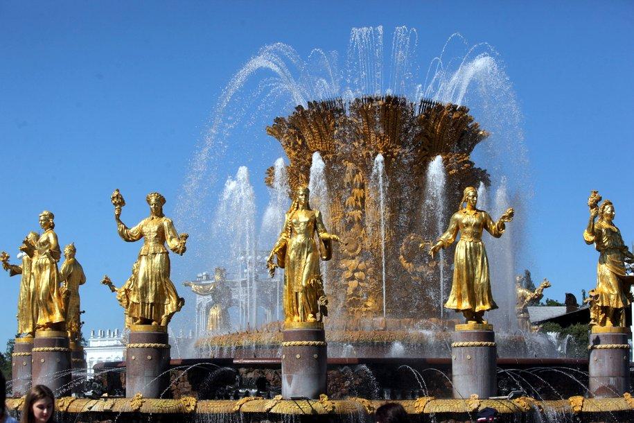 На ВДНХ началась реставрация фонтанов «Дружба народов» и «Каменный цветок»