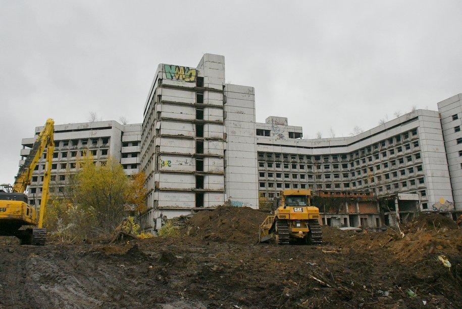 Территория Ховринской больницы будет охраняться во время проведения работ по сносу здания