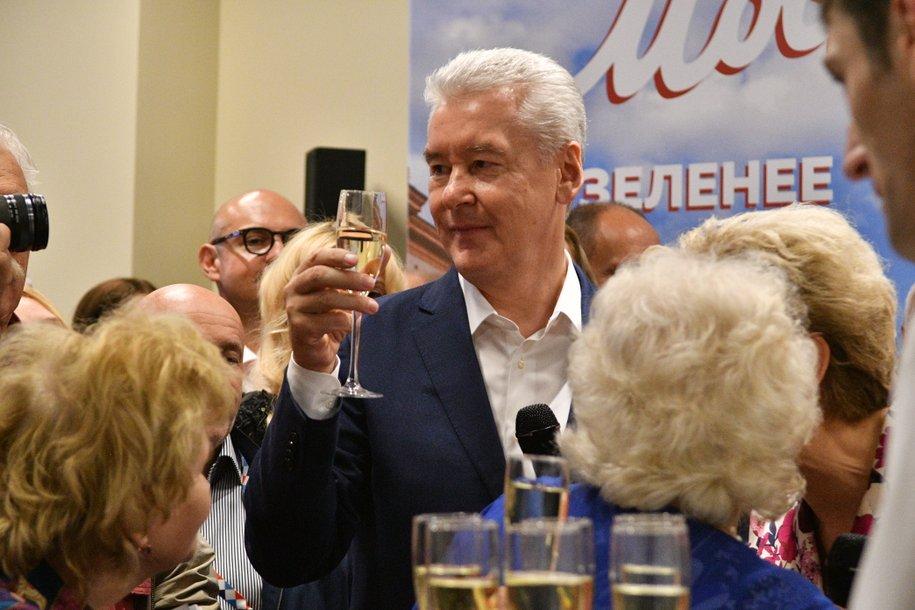 Сергей Собянин поздравил с юбилеем народного артиста СССР Марка Захарова