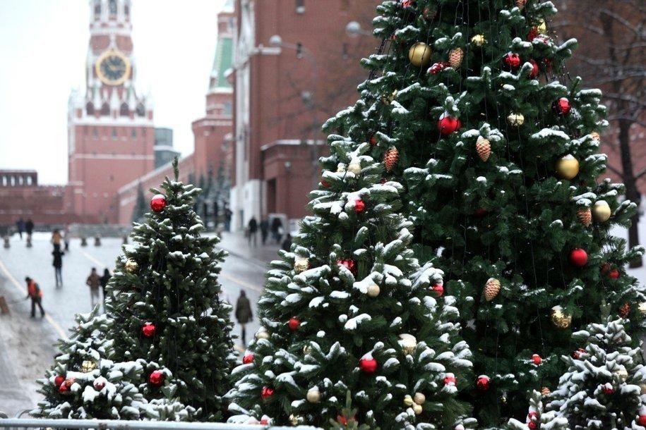 Выставку костюмов персонажей Кремлевской елки разных лет впервые покажут в Москве